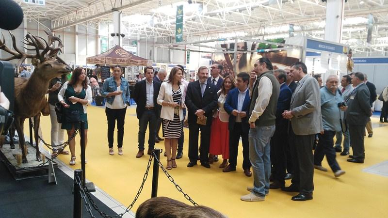 Gran respaldo institucional en la inauguración en Jaén de Ibercaza, una de las ferias cinegéticas má