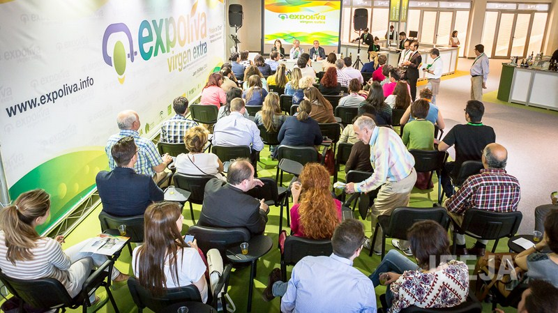La Fundación del Olivar abre el plazo para el programa de entrenamiento de catas de aceite destinado