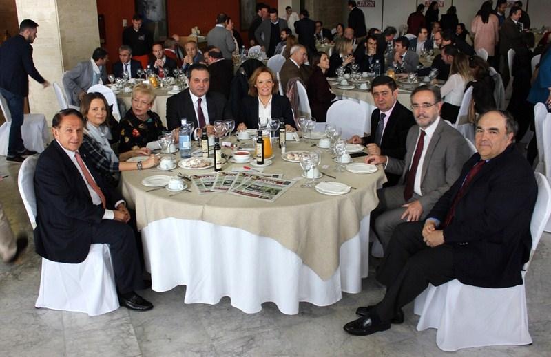 Carmen Ortiz anima al sector, durante un acto en IFEJA, a aprovechar el aumento del consumo de aceit