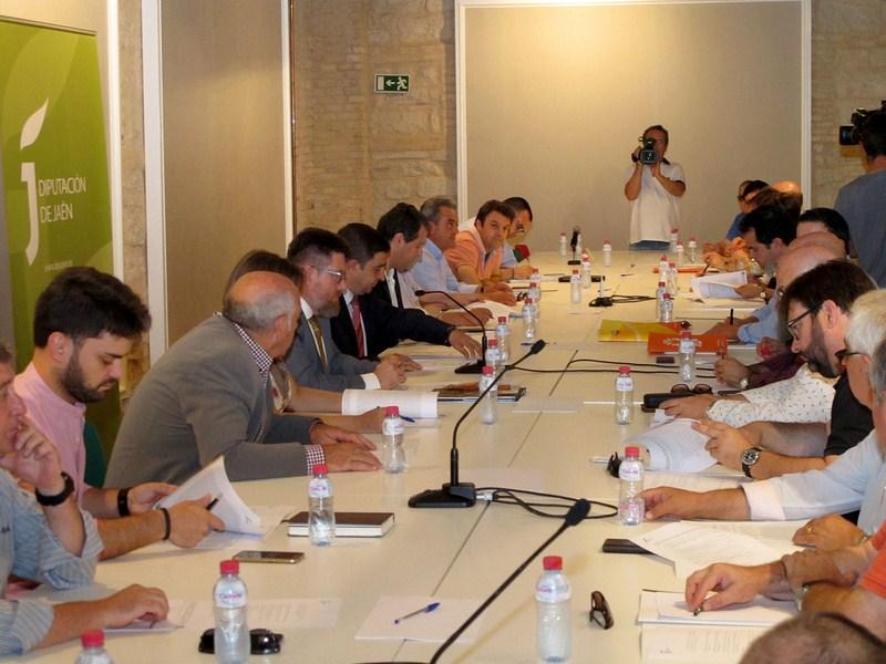 El Consejo del Aceite de Oliva traslada al nuevo consejero de Agricultura su postura ante la reforma