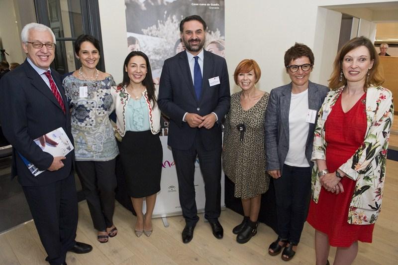 Fernández subraya que el nuevo Big Data turístico reforzará la competitividad y situará a Andalucía