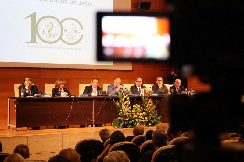 La Farmacia española e internacional participa desde mañana en los actos del Centenario del Colegio