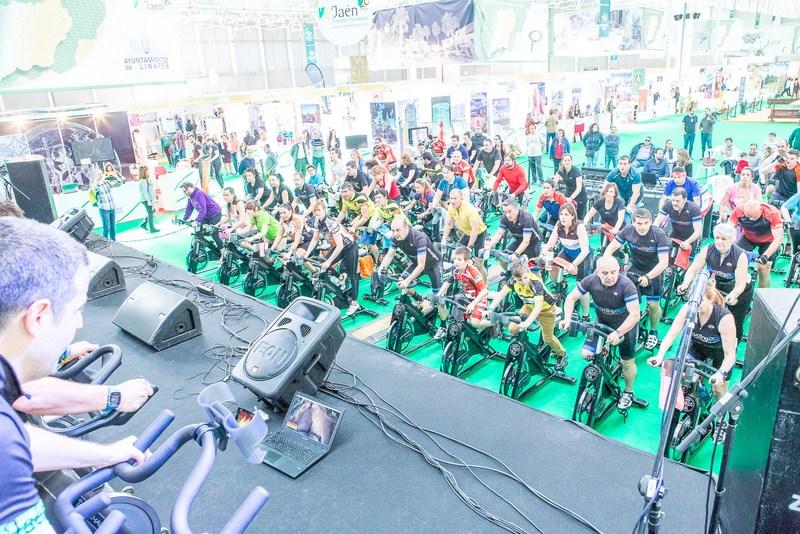 Los amantes del ciclismo podrán disfrutar de una clase audiovisual en directo por el GR-247 Bosques