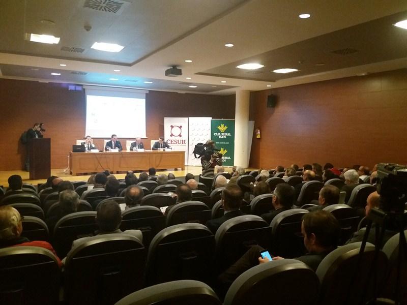 """CESUR y PwC presentan en IFEJA el informe """"Claves para la transformación del sector agroalimentario"""