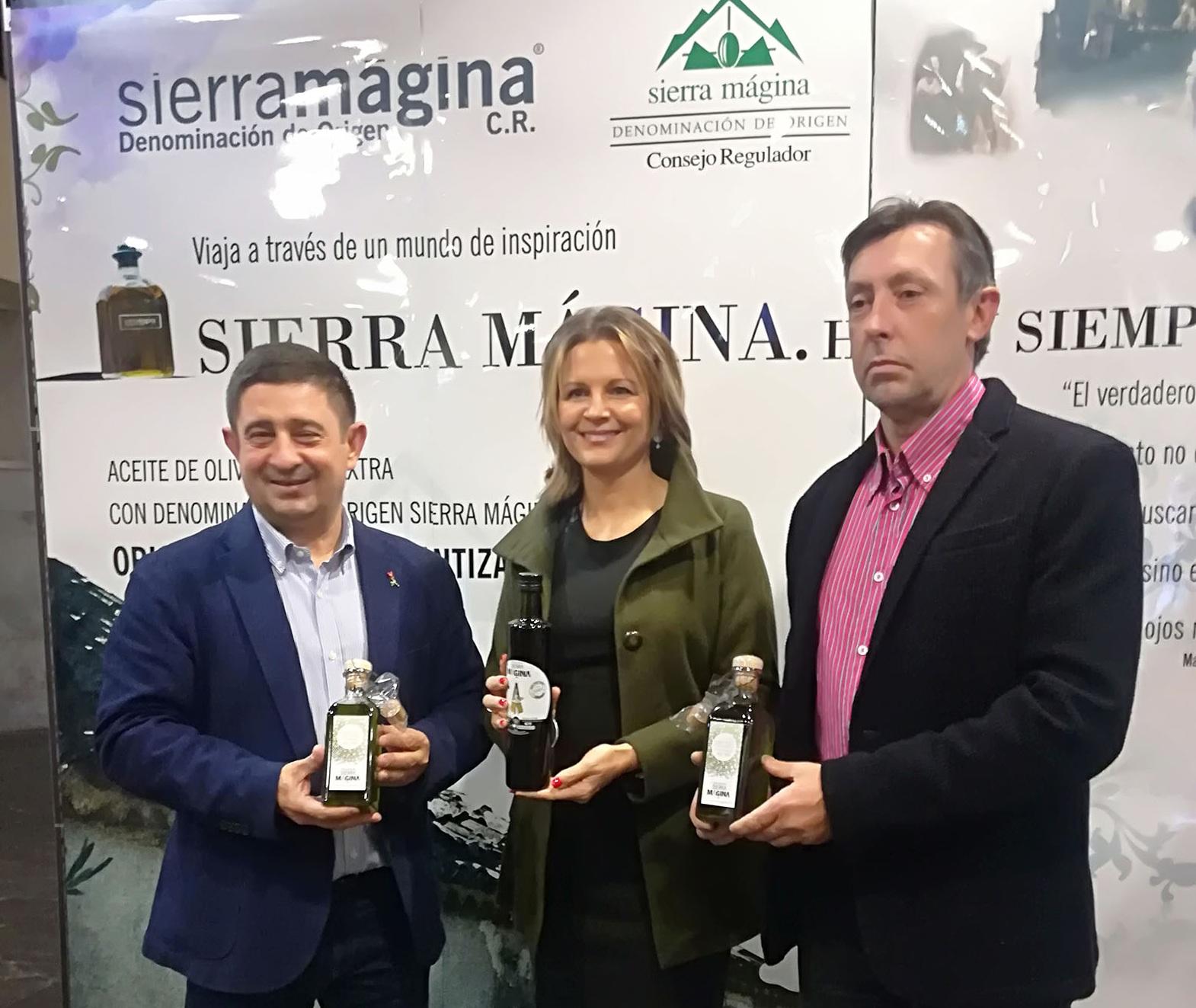 La DO Sierra Mágina presenta en el Palacio de Congresos de Jaén cerca de 40 primeros aceites vírgene