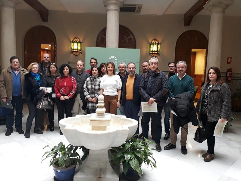 La Junta presenta los I Premios de Artesanía en Andalucía y anima a los profesionales de la provinci
