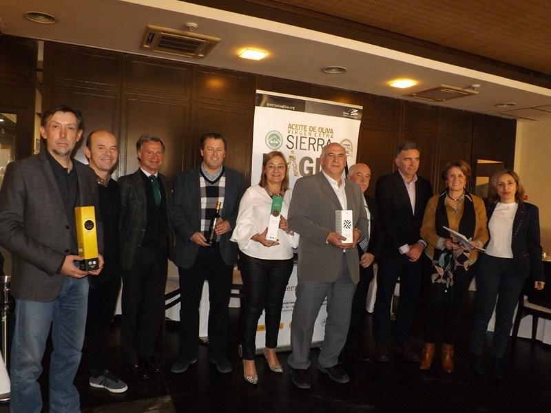 Se han entregado en IFEJA los Premios Alcuza 2018 de la D.O. Sierra M�gina, que han reca�do en Oro d