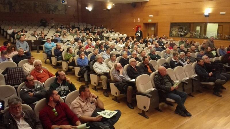 Cerca de 300 agricultores se forman en el Palacio de Congresos de Jaén sobre sanidad vegetal en las