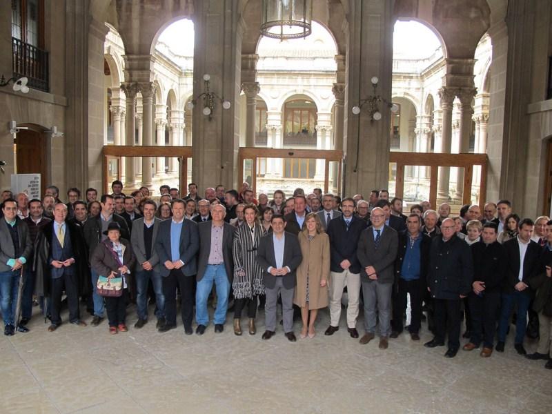 La Diputación de Jaén acoge la firma de un manifiesto en defensa del panel de catas de los aceites d
