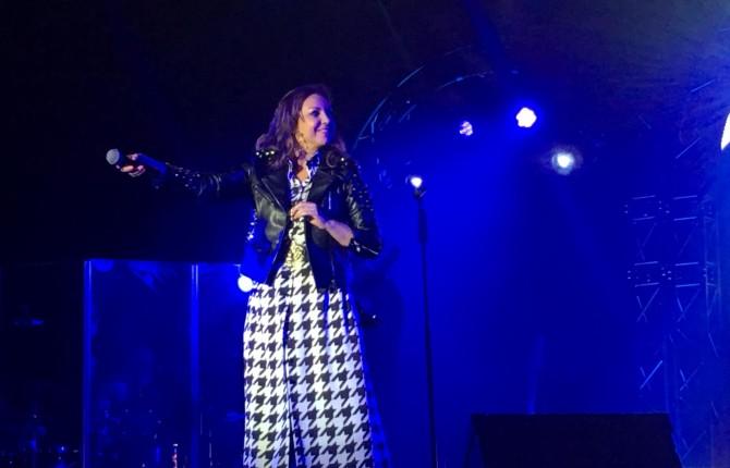 """La artista gaditana """"Niña Pastori"""" derrocha todo su arte durante el concierto ofrecido en IFEJA el p"""