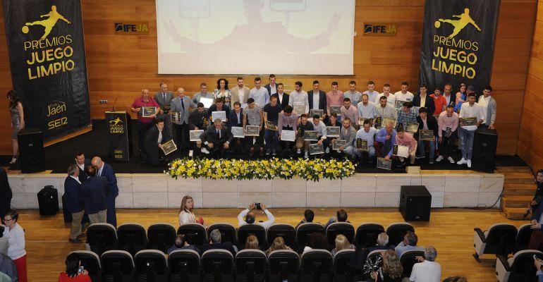 Radio Jaén SER entregó el pasado viernes sus galardones deportivos reuniendo a todo el fútbol provin