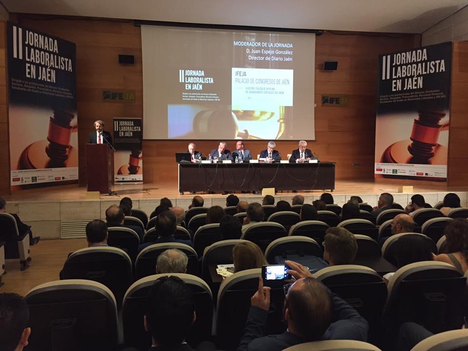 Los Graduados Sociales debaten en IFEJA sobre el acoso en el ámbito laboral en la II Jornada Laboral