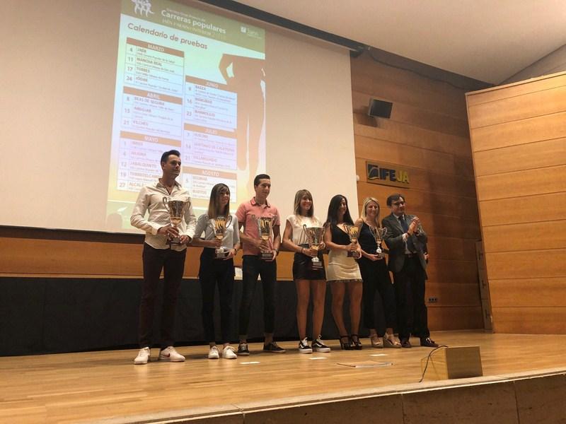 """Diputación entrega en IFEJA los galardones del X Gran Premio de Carreras Populares """"Jaén, paraíso in"""