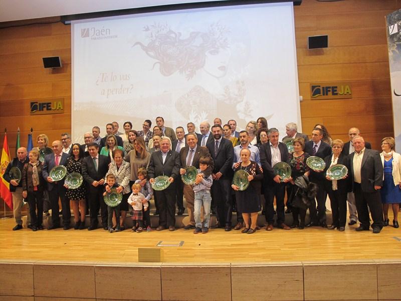 La Diputación reconoce a 43 establecimientos hoteleros jiennenses con más de cuatro décadas de histo