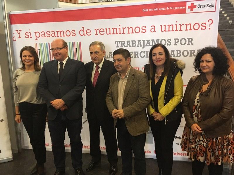 IFEJA acoge un acto de reconocimiento a empresas que colaboran con Cruz Roja para que personas desfa