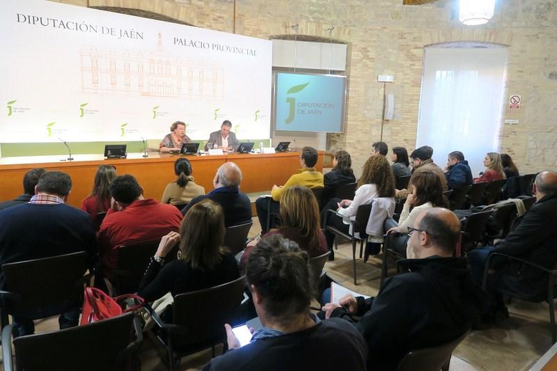 La VI Feria de los Pueblos girará en torno al 40 aniversario de los ayuntamientos y diputaciones dem