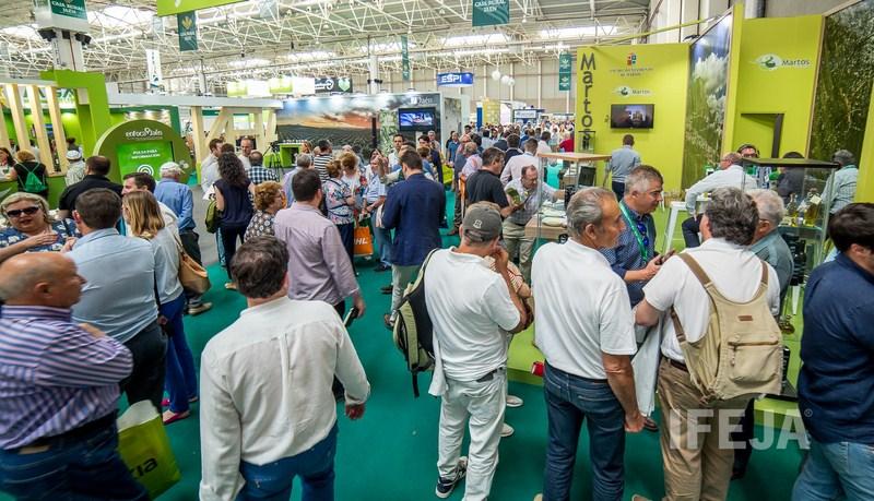 Expoliva se ha convertido tras veinte ediciones en referencia internacional de sector del olivar y s