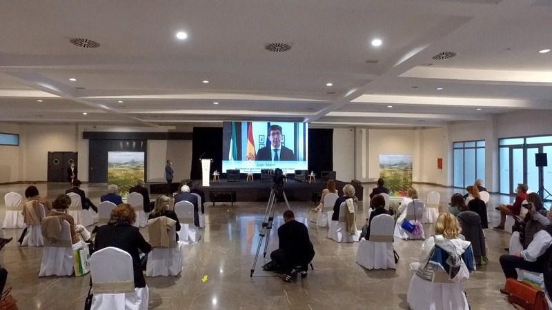 La Junta celebra en Jaén el foro 'Resintoniza Andalucía', para facilitar el contacto entre oferta an