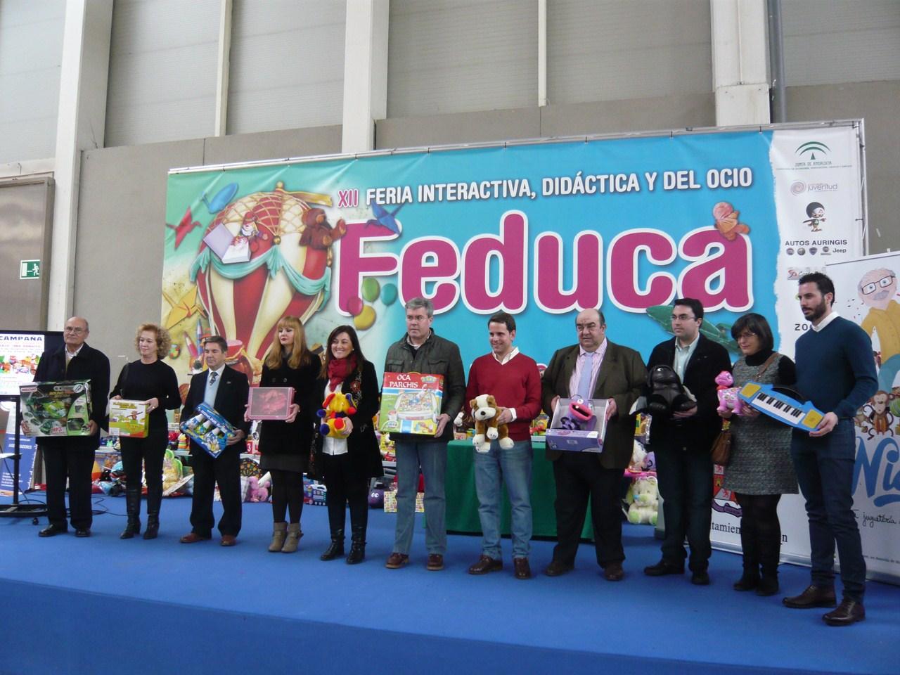 Feduca acoge el acto de entrega de los m�s de 800 juguetes recogidos en el marco de la campa�a &ldqu