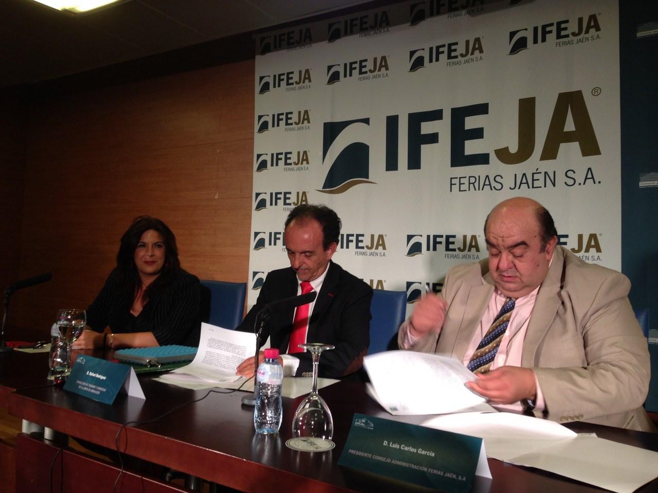 Rodr�guez destaca durante la firma de un acuerdo con IFEJA a �Tierra Adentro� como evento promociona