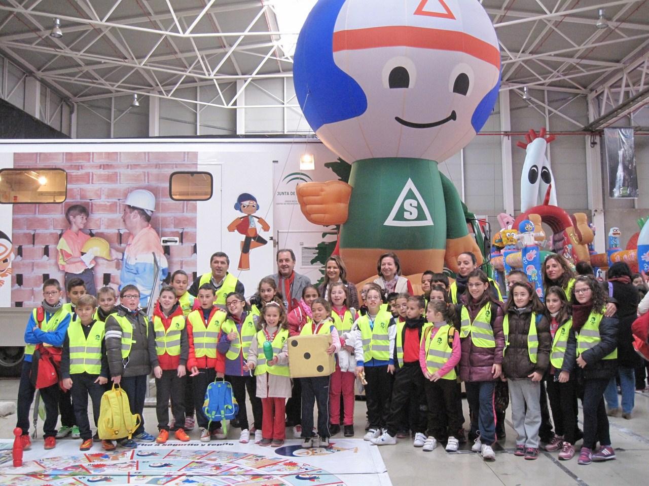 Unos 300 escolares de Ja�n, C�rdoba y Granada aprender�n jugando a prevenir accidentes en el marco d