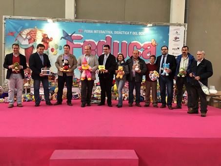 """Feduca acoge el acto de entrega de juguetes recogidos dentro la campaña """"Un regalo, una sonrisa"""""""
