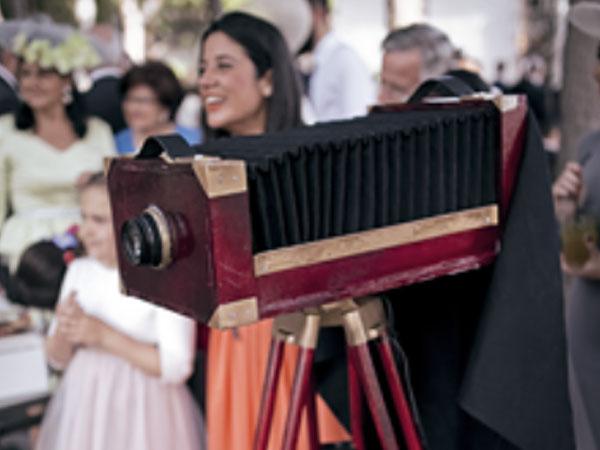 La empresa Setecientosdiez presenta en Jaén de Boda un nuevo concepto de photocall